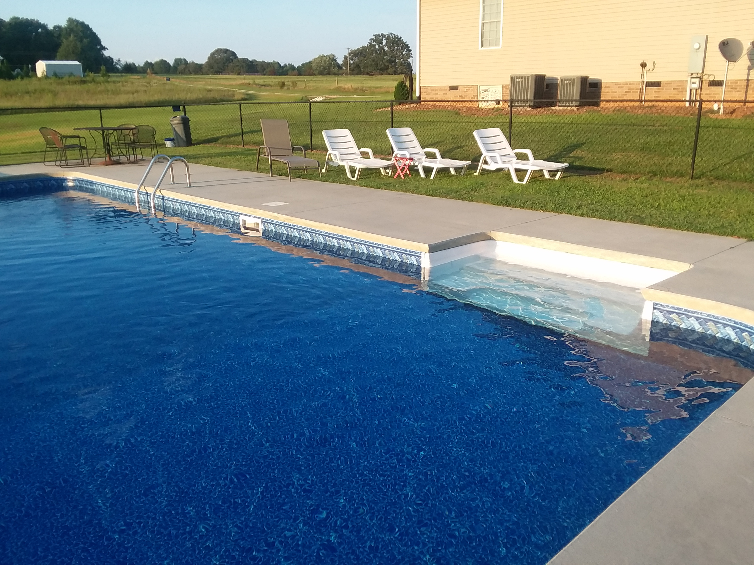 Salem SC Vinyl Liner Swimming Pool Leak
