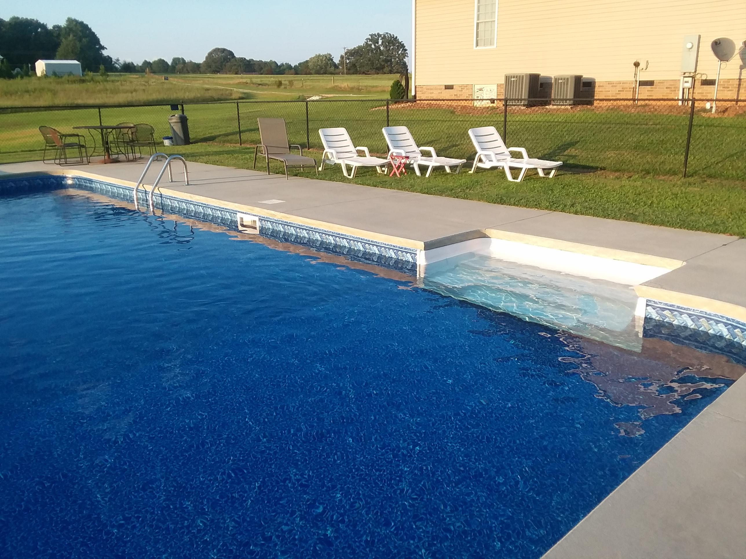 Salem SC Vinyl Liner Swimming Pool Leak